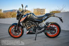2018 ktm duke 200 t.  duke this does bring 5kg extra in weight but ktm didnu0027t need to do the  sideslung exhaust and therefore visually nothing has changed duke 200  on 2018 ktm duke t