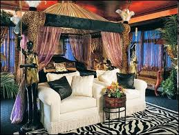 Jungle Theme Bedroom for Adults   Jungle rainforest theme bedroom  decorating ideas and jungle theme .