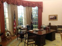 white house oval office desk. Stunning Recreating The Oval Office White House Desk L