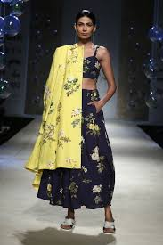 Payal Pratap Fashion Designer Payal Pratap Singh Amazon India Fashion Week Ss 18 12