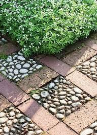 diy garden pebble tiles with paving