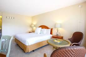 naples garden inn near naples zoo at caribbean gardens standard room 1 king bed