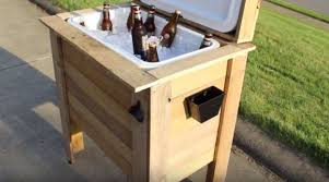 DIY Pallet Cooler Box | Clever DIY Wood Pallet Projects You Can Do Now