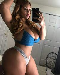 Sexy thicker babes naked