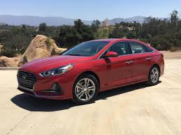 2018 hyundai sonata se.  2018 the 2018 hyundai sonata receives a significant midgeneration refresh to hyundai sonata se