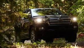 2018 toyota landcruiser 200 series. 2018 toyota land cruiser 2 400x231 landcruiser 200 series