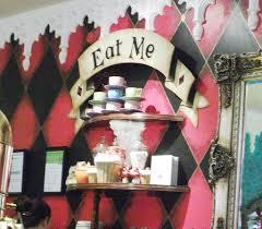 Alice In Wonderland Decoration Alice In Wonderland Inspired Bedroom Image 2 1024x894 Jpg Deas