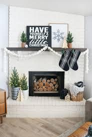 Black & White Modern Snowflake Christmas Mantel Decor