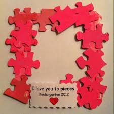i love you to pieces valentine frame a great way to recycle use puzzles with missing pieces
