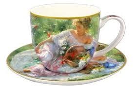 <b>Чашка с блюдцем Девушка</b> с корзиной цветов в подарочной ...