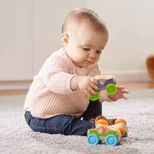 Cách lựa chọn đồ chơi theo độ tuổi cho bé như thế nào là phù hợp – Xe đồ  chơi cho trẻ em