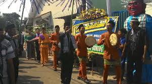 Musik ini merupakan kolaborasi antara kesenian timur tengah dan betawi.dan memiliki unsur keagamaan. Alat Musik Tradisional Marawis Berasal Dari Daerah Seni Musik Dictio Community