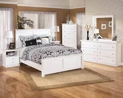 Bostwick Shoals White Bedroom Set - SpeedyFurniture.com