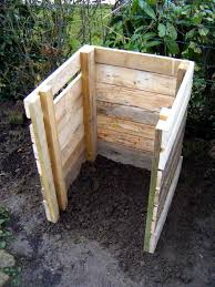 building a compost bin from pallets 99 pallets
