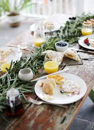 diy greenery table garland themerrythought