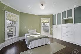 dark hardwood floors bedroom. Fine Floors Best Dark Wood Flooredroom Unique Hardwood Floors Recommended Oak Design  Master Floor With Bedroom E