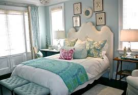 Bedroom:Cool Bedroom Design For Relaxing With Turuqoise Bench Seat And  White Headboard Ideas Cool