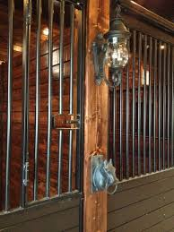 coach lights on stalls and horse head cross ties small horse barn design horse head horse and barn