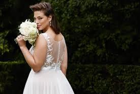 XL Brautkleider in großen Größen für kurvige Frauen. Love your Curves!