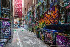>graffiti art in back lane photography blog through vin s lens  australia graffiti art painting lane street wall art melbourne australia