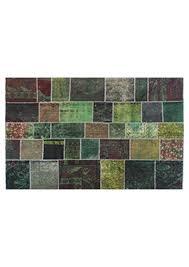 c1381 green patchwork 7 5 x 10 6