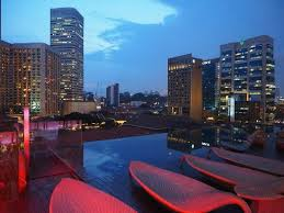 infinity pool singapore hotel. Naumi Hotel: Rooftop Infinity Pool Bar Singapore Hotel