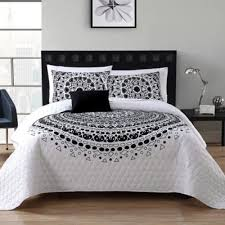 Buy Twin XL Quilts from Bed Bath & Beyond & VCNY Tessa 4-Piece Full/Queen Quilt Set in Black/White Adamdwight.com