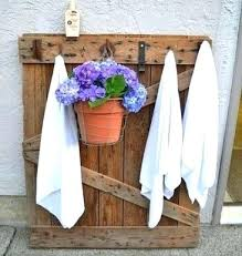 poolside towel stand pallet pool towel rack outdoor towel rack pallet crafts with regard to outdoor