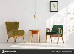 Stilvolle Grüne Stühle Im Zimmer Stockfoto Photographee