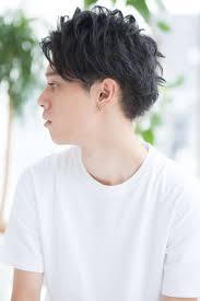 この夏オススメ爽やかツーブロックヘアメンズスタイル 表参道