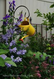 Backyard Florist Decor