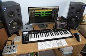 the mac mini setup of a professional composer