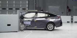 Why only 38 cars earned IIHS top safety pick status