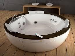 round 2 person jacuzzi bath ideas