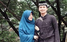 Istri alvin, larissa chou menggugat cerai pria kelahiran 4 februari 1999 itu. Perjalanan Larissa Chou Debat Membawa Rahmat Islampos