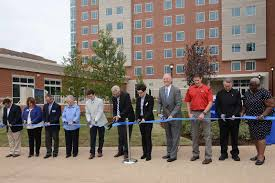 SLU Celebrates Opening of Spring Hall : SLU
