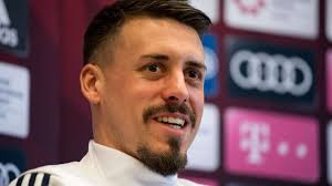 Maybe you would like to learn more about one of these? Sandro Wagner Dazn Spruche Feuerwerk Bei Cl Ubertragung Kollege Mobelpacker Da Vorne Fussball