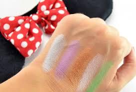 sephora minnie s world in color eyeshadow palette swatch