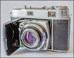 this is one of my all time favorite s approx 136 000 were made between 1954 1957 kodak acquired german manufacturer nagel in order to produce a