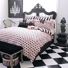 Paris Bedroom Decor Curtains Shelving And Storage Trunks Or Boxes Are Also  A Great Way To