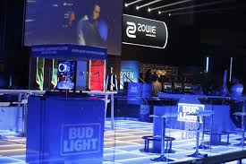 Bud Light Sports Sponsorships Bud Light Triples Down On Esports The Next Level Medium