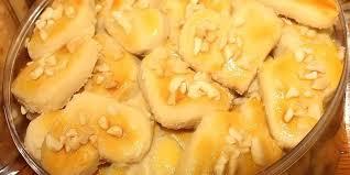 Kue ku adalah kue yang terbuat dari tepung ketan yang berisi kacang hijau. Resep Kue Kacang Jadul 4 Bahan Manisnya Bikin Kangen Rumah Nenek