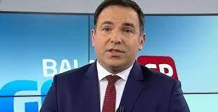 Reinaldo Gottino pega fãs de surpresa e pede demissão da Record TV