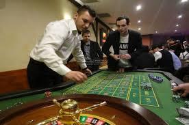MOBILNÍ CASINO – atrakce na firemní akce a večírky | Zábavné atrakce
