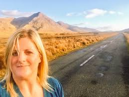 """Letitia Wade on Twitter: """"Don't know about you guys but my """"office"""" was  looking exceptionally magnificent today!! The Inagh Valley in December  #WildAtlanticWay #Connemara #Galway… https://t.co/WbYUVV5b56"""""""