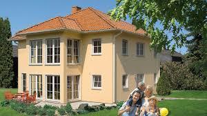 Fingerhut Mehrfamilienhaus Stadtvilla Lachsfarben Verputzt Mit Rot