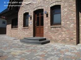 Ich achte am hauseingang auf einen stufenlosen zugang. Hauseingang Aussen Mit Granit Und Naturstein Neu Gestaltet Und Saniert