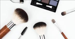 new to makeup and do not know which brushes to pick and how they function individually fear not here are some brush sets suitable for beginners that may