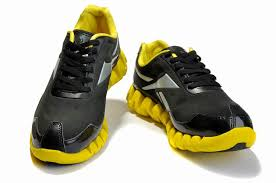 reebok shoes black and red. reebok classic leather men shoes black and yellow,reebok exofit,available to buy online red u
