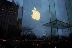 nsa can crack san bernardino shooter s iphone expert says fortune apple logo reflected on the glass of its store